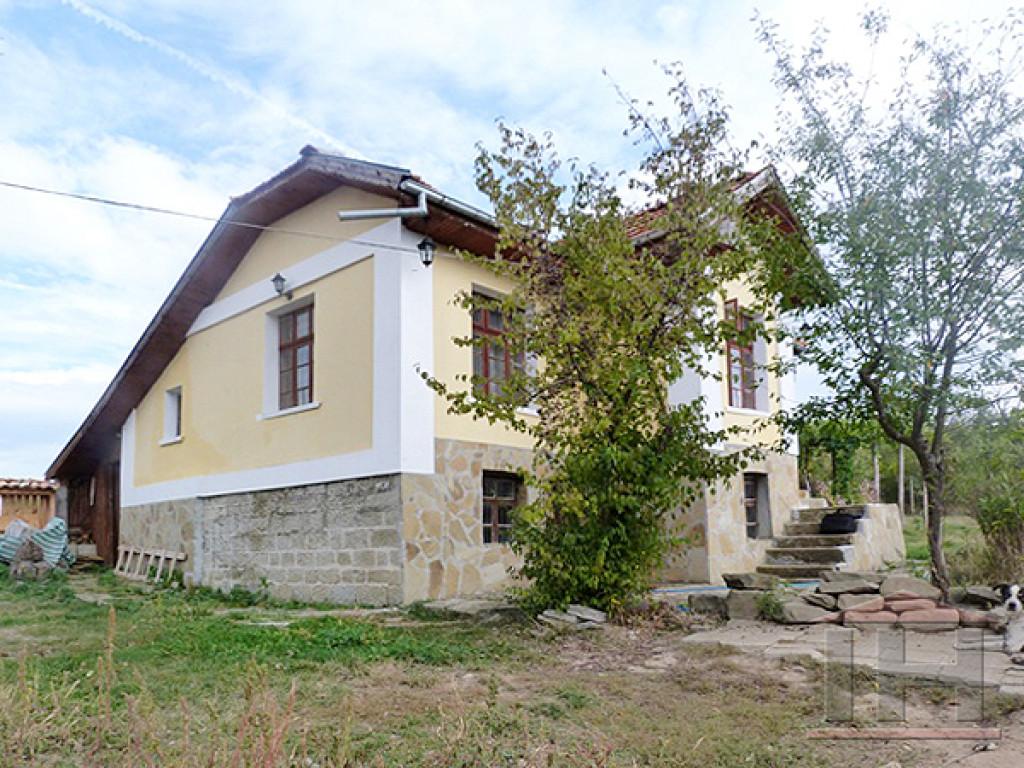 7171e23c71f4 Частный дом в очень хорошем состоянии, расположенный в селе Брычковци,  всего в 6 км от Елена